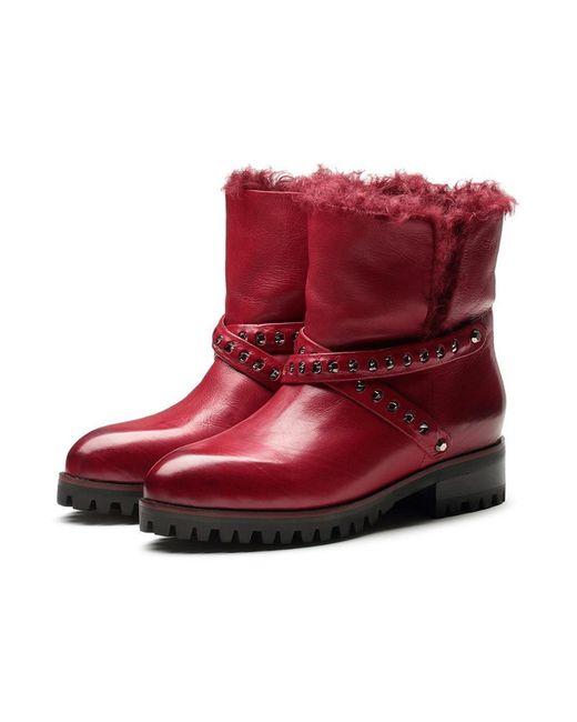 Ботинки O.E                                                                                                              красный цвет