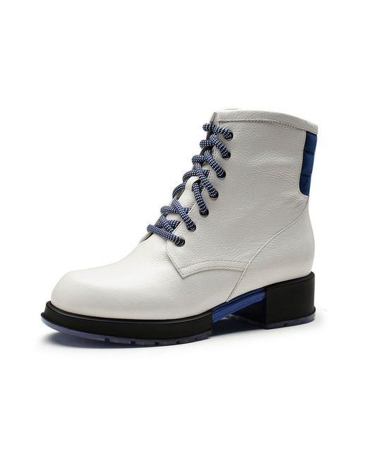 Ботинки O.E                                                                                                              белый цвет