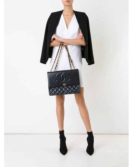 Сумка На Плечо С Тисненым Узором Chanel Vintage                                                                                                              чёрный цвет