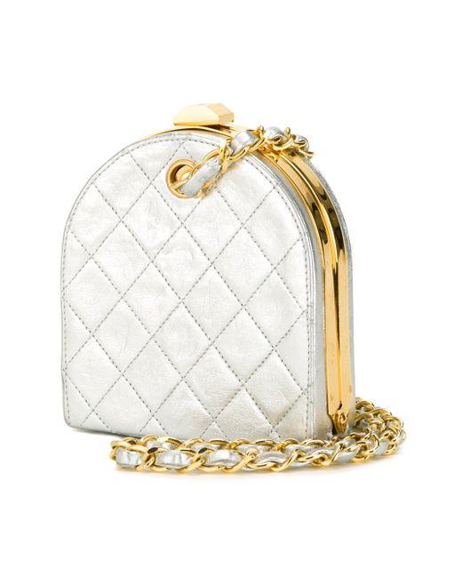 Стеганый Клатч С Металлическим Отблеском Chanel Vintage                                                                                                              серебристый цвет
