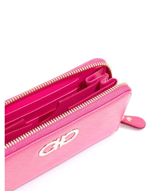 Клатч Gancini Salvatore Ferragamo                                                                                                              розовый цвет