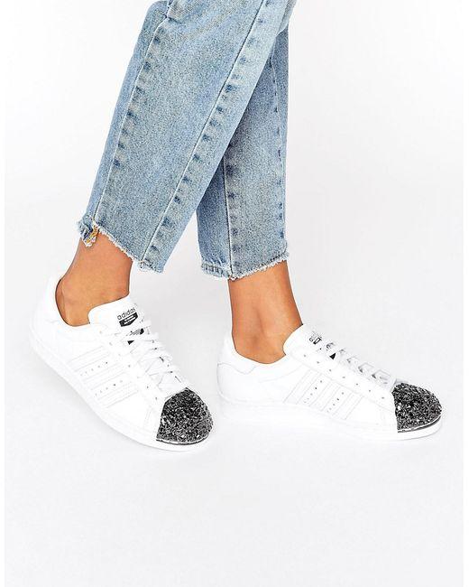 Adidas | Белые Кроссовки С Металлической Вставкой На Носке