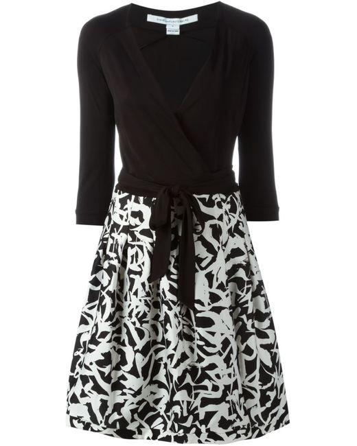 Diane Von Furstenberg   Женское Чёрное Платье С Запахом И Абстрактным Принтом