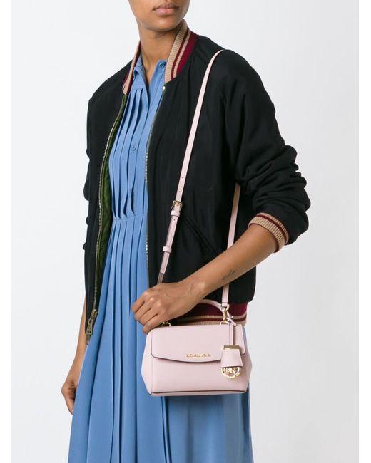Michael Michael Kors   Женское Розовый Extra Small Ava Crossbody Bag