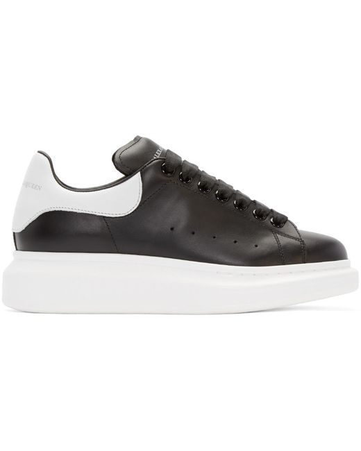 Alexander McQueen | Чёрный Black And White Leather Sneakers
