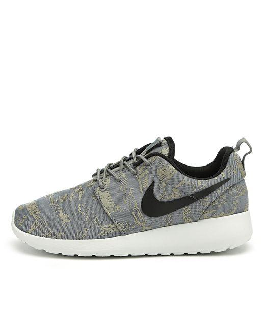 Nike   Женские Серые Кроссовки