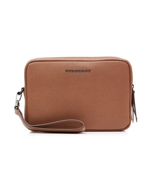 Burberry | Camel Leather Wash Bag Gr. One Size